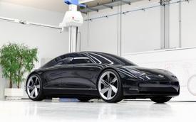 Hyundai Ioniq 6 - 'Sonata bản điện' lộ diện trên phố, để lộ trang bị vốn chỉ có trên xe sang Lexus, Audi